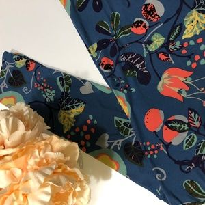 Like New LulaRoe Tall and Curvy Floral Leggings